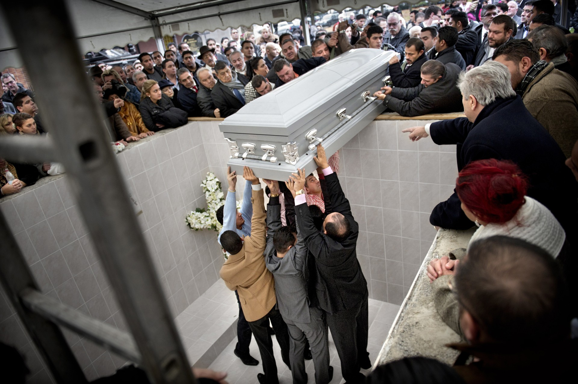 TA Romsk begravning 1